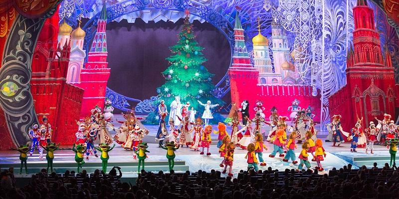 Новый-год-елка-праздник-представление