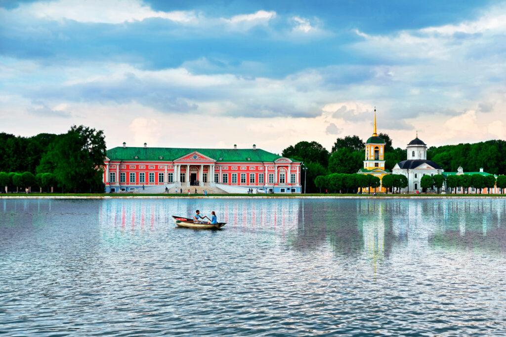 Где кататься на лодках и катамаранах в Москве?